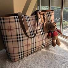 Burberry Leather Reversible Tote Vic